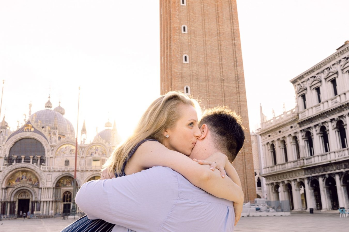 Piazza San Marco photography Romantic honeymoon photoshoot in Venice spring sunrise couple photography